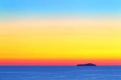 Coucher du soleil à l'arrière-plan de tropiques Photographie stock