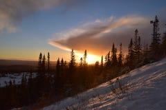 Coucher du soleil à l'hiver image libre de droits