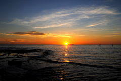 Coucher du soleil à l'océan pacifique Photos stock