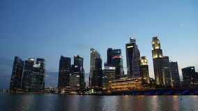 Coucher du soleil à la baie de marina au centre de Singapour le 28 octobre 2014 banque de vidéos