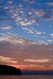 Coucher du soleil à la côte de la mer Photos libres de droits