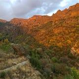 Coucher du soleil à la gorge de Geghard en Arménie Photos libres de droits