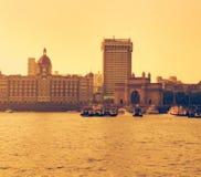 coucher du soleil à la manière de porte de l'Inde avec le Taj Mahal Photographie stock