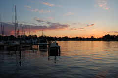 Coucher du soleil à la marina Photo libre de droits