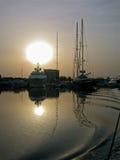 Coucher du soleil à la marina Image stock