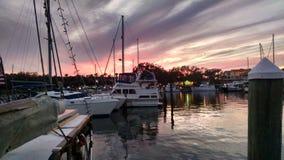 Coucher du soleil à la marina Photo stock