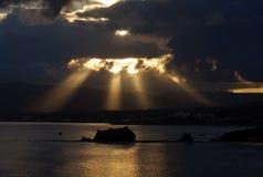 Coucher du soleil à la mer Méditerranée image stock