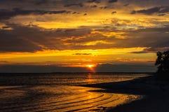 Coucher du soleil à la mer Méditerranée photographie stock
