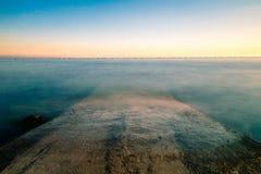 Coucher du soleil à la mer, Trieste Photo stock