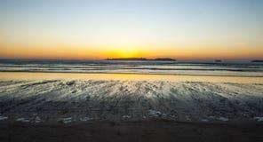 Coucher du soleil à la plage d'Essaouira Images libres de droits