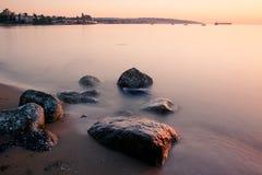 Coucher du soleil à la plage de Kitsilano photographie stock libre de droits