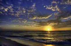 Coucher du soleil à la plage de la Floride Image libre de droits