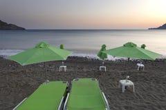 Coucher du soleil à la plage de Plakias crète La Grèce Photo libre de droits