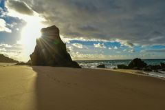 Coucher du soleil à la plage de Santa Cruz - Portugal Photos libres de droits