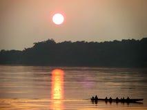 Coucher du soleil à la rivière de Khong Photos stock