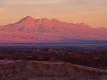 Coucher du soleil à la vallée de la lune Photographie stock libre de droits