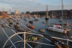 Coucher du soleil à la voile 2015 dans le port d'Amsterdam Photographie stock libre de droits