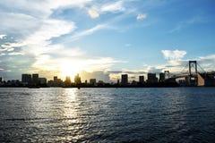 Coucher du soleil à la vue d'Odaiba Images stock