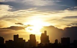 Coucher du soleil à la vue d'Odaiba Image libre de droits