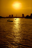 Coucher du soleil à Londres pendant l'heure d'été Image stock