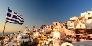 Coucher du soleil à Oia Santorini, îles de Cyclades La Grèce Photographie stock libre de droits