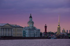 Coucher du soleil à St Petersburg, Russie photos libres de droits
