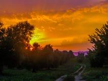 Coucher du soleil étonnant en Italie image stock