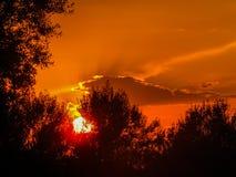 Coucher du soleil étonnant en Italie photographie stock