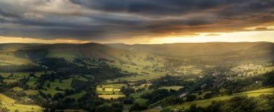 Coucher du soleil étonnant, parc national de secteur maximal, Derbyshire, Angleterre, Royaume-Uni, l'Europe photos stock