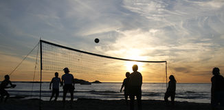 Coucher du soleil 1 de volleyball de plage Photographie stock