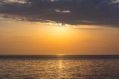 Coucher du soleil. Image libre de droits