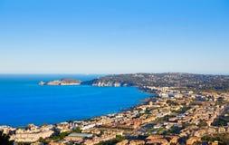 Coucher du soleil aérien d'horizon de Javea Xabia dans Alicante Photo stock