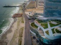 Coucher du soleil aérien dans des hôtels d'Atlantic City images libres de droits