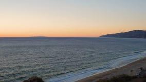 Coucher du soleil aérien de Dume de point de Malibu banque de vidéos
