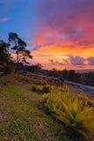 Coucher du soleil ardent de Gunung Jerai photo libre de droits