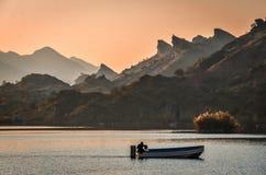 Coucher du soleil au barrage Pakistan de Dhook Taliyan Image stock
