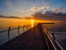 Coucher du soleil au brise-lames d'Ogden Point, Victoria AVANT JÉSUS CHRIST Images stock