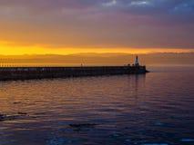 Coucher du soleil au brise-lames d'Ogden Point, Victoria AVANT JÉSUS CHRIST Image stock