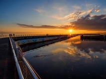 Coucher du soleil au brise-lames d'Ogden Point, Victoria AVANT JÉSUS CHRIST Photo stock