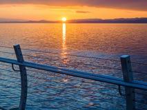 Coucher du soleil au brise-lames d'Ogden Point, Victoria AVANT JÉSUS CHRIST Photos stock