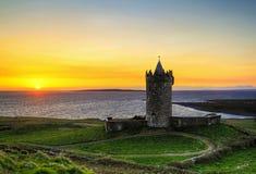 Coucher du soleil au château - HDR Image libre de droits