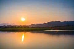 Coucher du soleil au ciel de soirée Images libres de droits