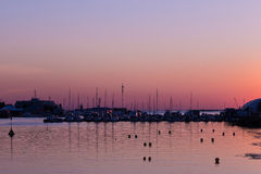 Coucher du soleil au club de yacht Images libres de droits