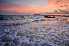 Coucher du soleil au compartiment d'ao Nang, sud de la Thaïlande Photo libre de droits