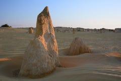 Coucher du soleil au désert de sommets Parc national de Nambung cervantes Australie occidentale l'australie image stock