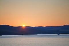 Coucher du soleil au-dessus d'île d'Olkhon Image stock