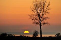 Coucher du soleil au-dessus d'île de Rugen Image stock