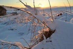 Coucher du soleil au-dessus d'horizontal de l'hiver Photos stock