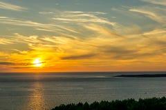 Coucher du soleil au-dessus d'Océan atlantique image libre de droits