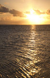 Coucher du soleil au-dessus d'océan de South Pacific Photos libres de droits